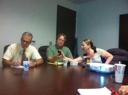 Photo by Jody McVeigh of individual Twitter help with Norb Franz, Joe Ballor and me, Michelle Rogers (right).